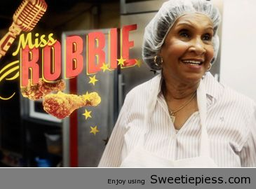 20110916-sweetie-pies-miss-robbie-and-graphic-365x240